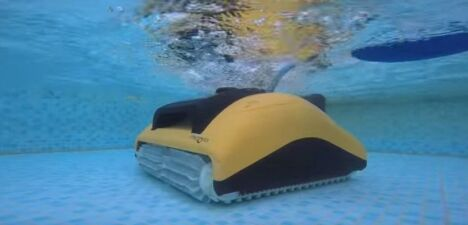"Dolphin W20, pour les bassins peu profonds (piscines collectives)<span class=""normal italic petit"">© robot-dolphin.fr</span>"