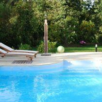 article la douche de piscine installer une douche de piscine. Black Bedroom Furniture Sets. Home Design Ideas