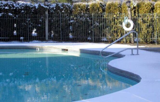 Du givre sur la pompe à chaleur de votre piscine