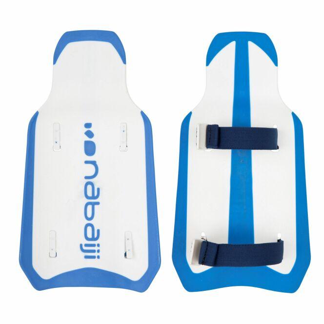 Les palettes Easystroke aident à maintenir une bonne position des bras pendant la nage.