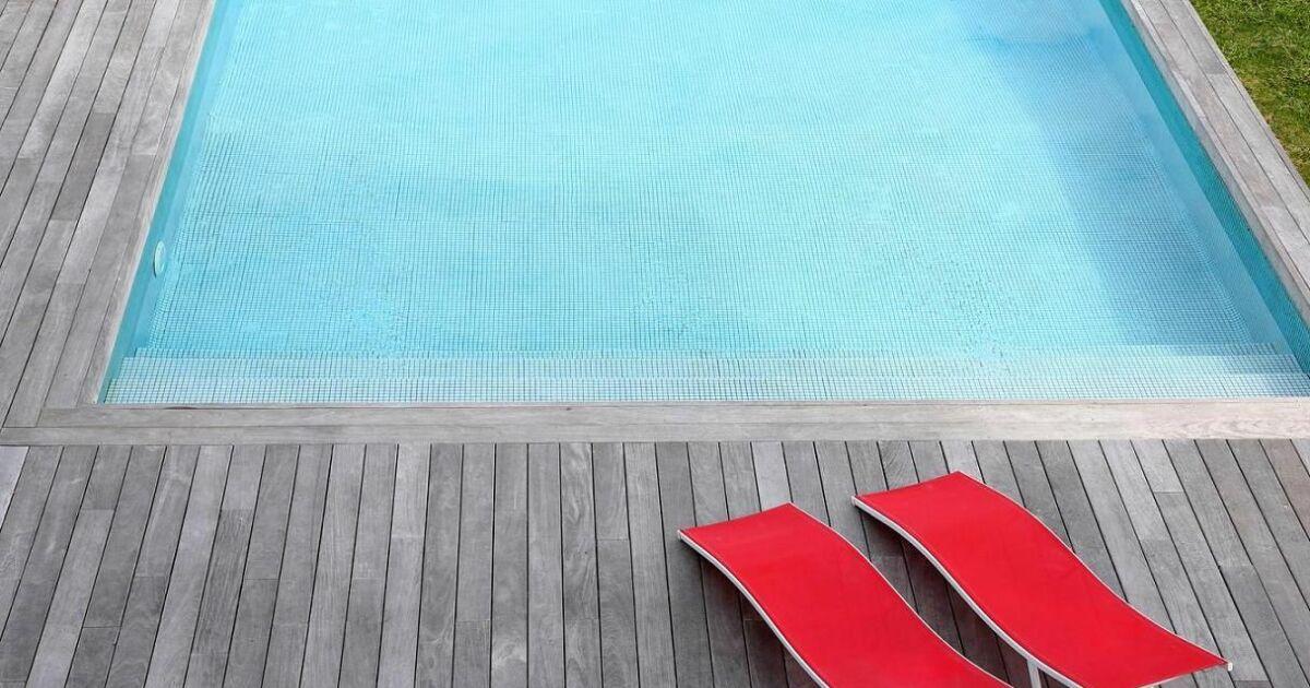 Eau net piscine ch teau d 39 olonne pisciniste vend e 85 for Piscine chateau d olonne