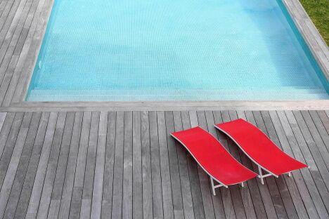 """Eau-Net Piscine à Château-d'Olonne<span class=""""normal italic petit"""">© goodluz Fotolia.com</span>"""