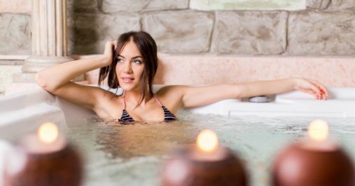 Ecouter de la musique dans son spa for Musique piscine