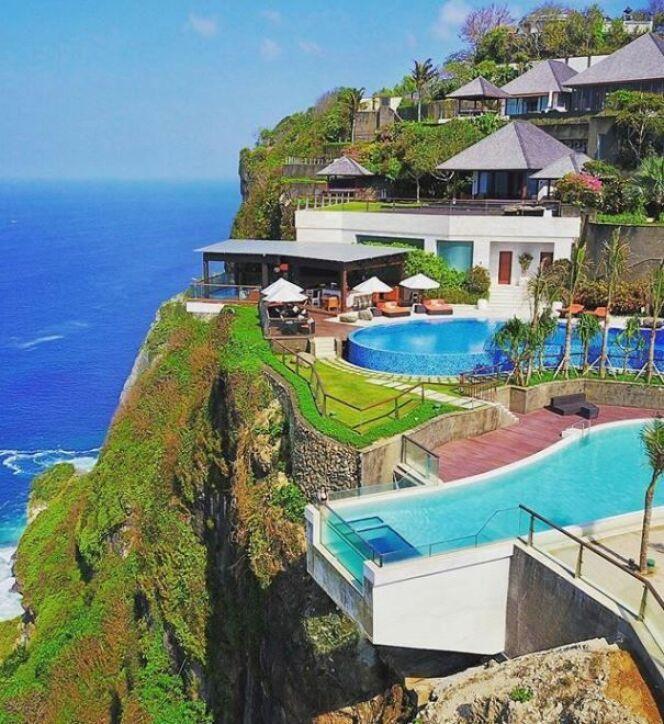 Une Piscine De Reve Au Edge Resort A Bali