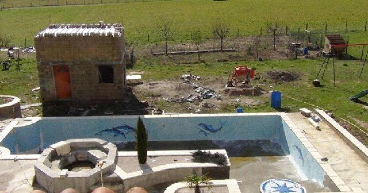 Ribeyrolles sr piscines mirandol bourgnounac pisciniste for Piscine bois tarn