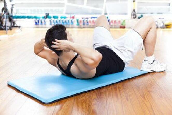 """Programme d'entraînement à sec et renforcement musculaire<span class=""""normal italic petit"""">© cristovao31 - Fotolia.com</span>"""