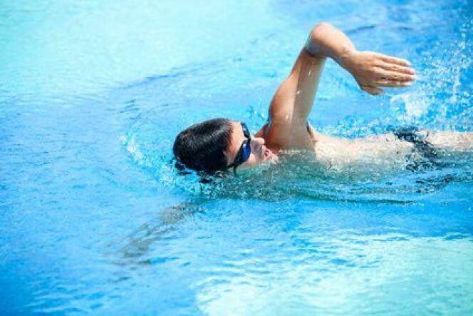 """Entraînement type pour les débutants en natation<span class=""""normal italic petit"""">DR</span>"""