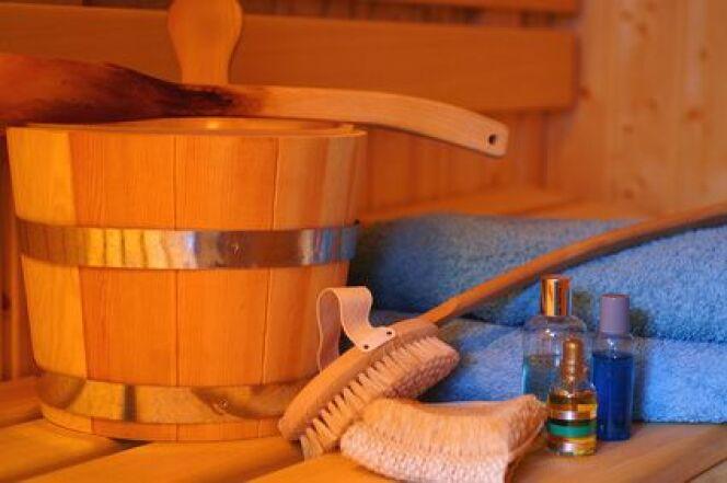 "Entretenir son sauna<span class=""normal italic petit"">DR</span>"
