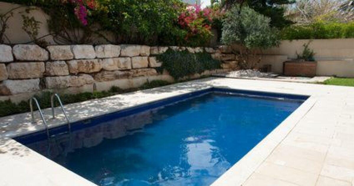 Entretien du dallage autour d 39 une piscine Piscine entretien