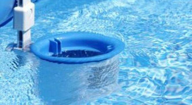 """Entretien du filtre de piscine<span class=""""normal italic petit"""">© Christophe Fouquin - Fotolia.com</span>"""