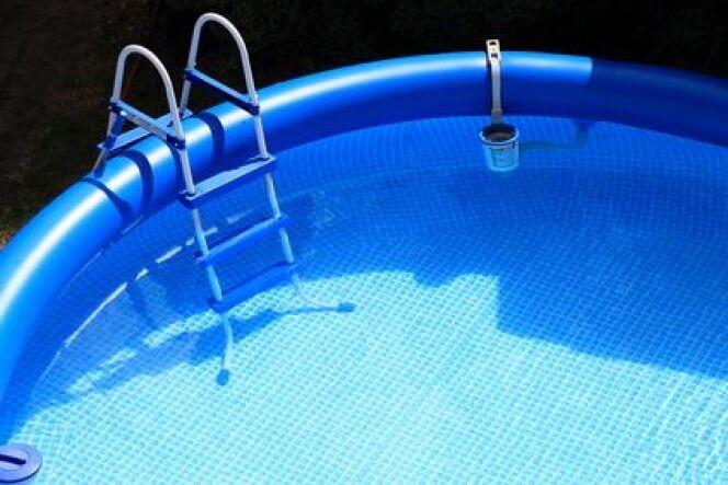 Entretien et nettoyage d'une piscine autoportée