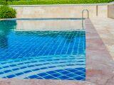 Entretien et rénovation d'un carrelage de piscine