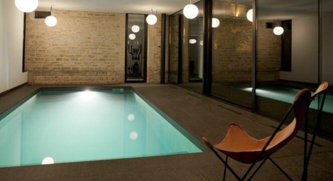 entretien et traitement d 39 une piscine int rieure. Black Bedroom Furniture Sets. Home Design Ideas
