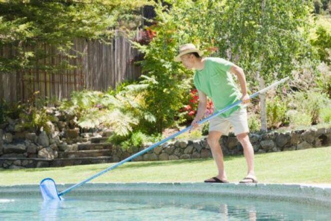 """Entretien de votre piscine<span class=""""normal italic petit"""">© Fotolia</span>"""