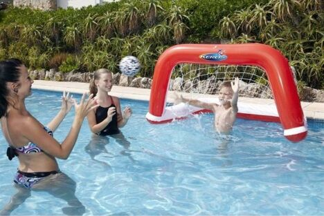"Equipements de loisir<span class=""normal italic petit"">© cage-de-foot-waterpolo</span>"