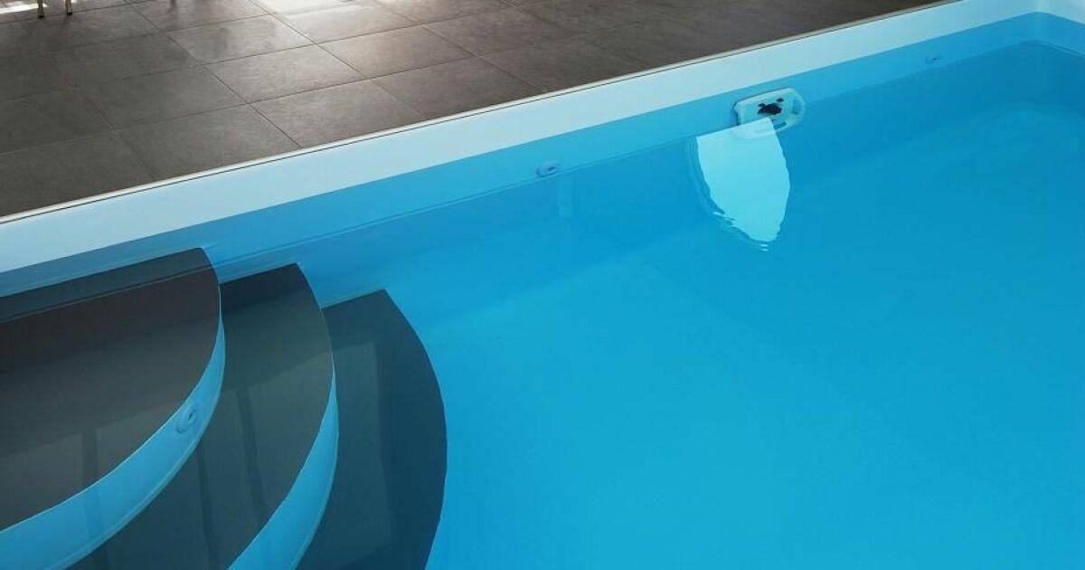Escalier d 39 angle par l 39 esprit piscine for Escalier piscine