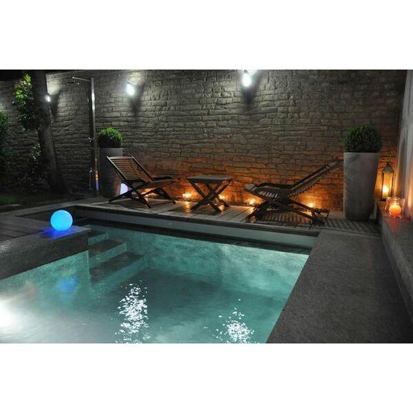 Escalier de piscine antid rapant for Marche piscine