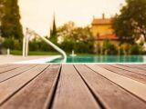 L'escalier de piscine en bois