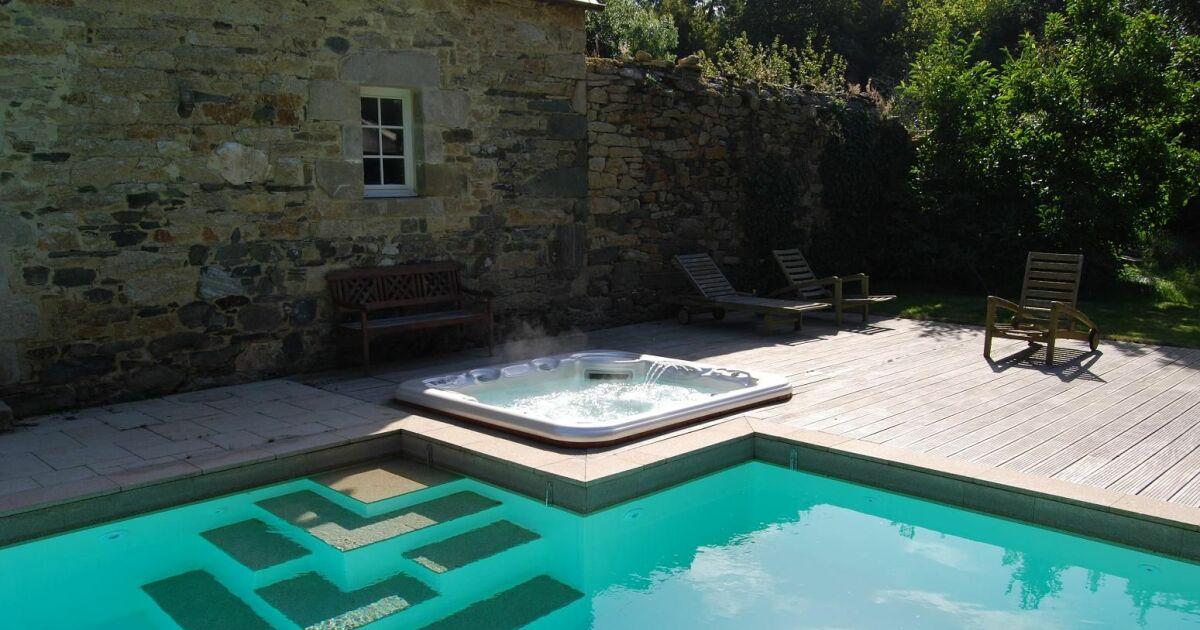 escaliers de piscine et plages immerg es escalier design par l 39 esprit piscine. Black Bedroom Furniture Sets. Home Design Ideas