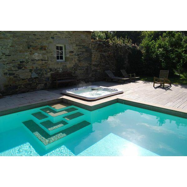 Escalier design par l 39 esprit piscine for Piscine design d o