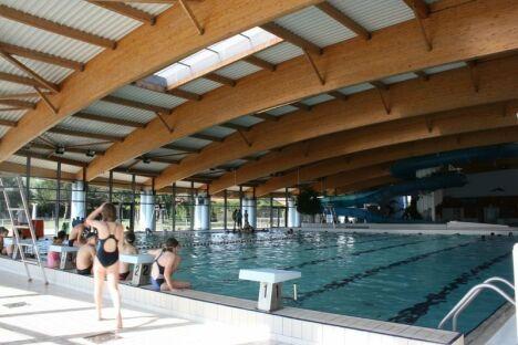 """Espace Aquatique Aloha à Montélimar : le grand bassin couvert<span class=""""normal italic petit"""">DR</span>"""