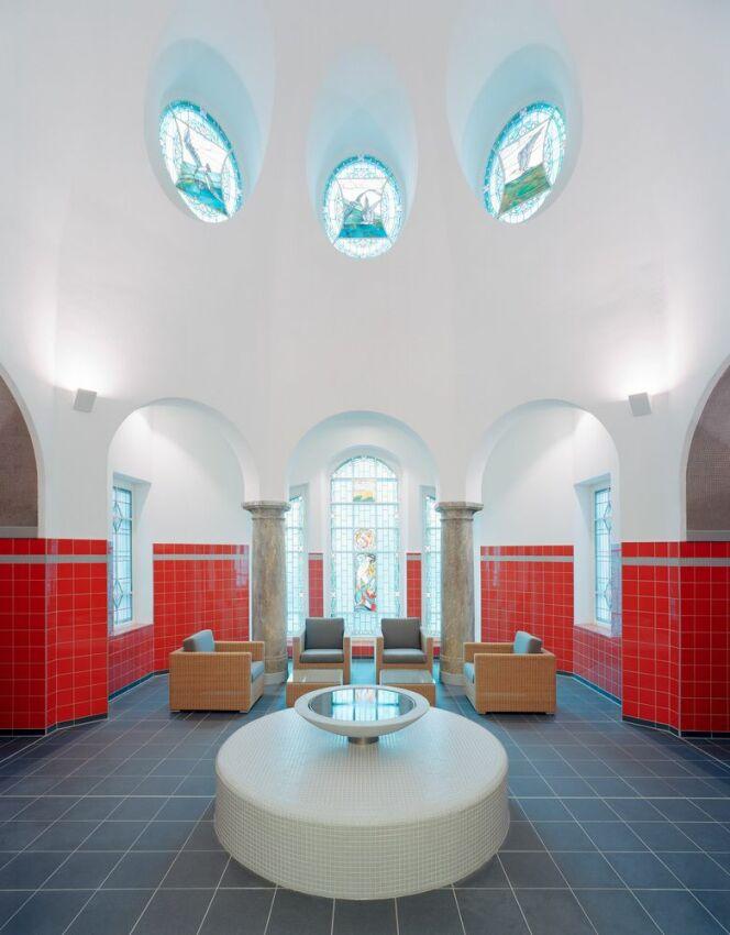 Espace bien-être de la piscine municipale de Gotha