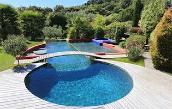 Les laur ats des prix europ ens de la piscine 2015 or cat gorie piscine ext rieure priv e for Prix grande piscine