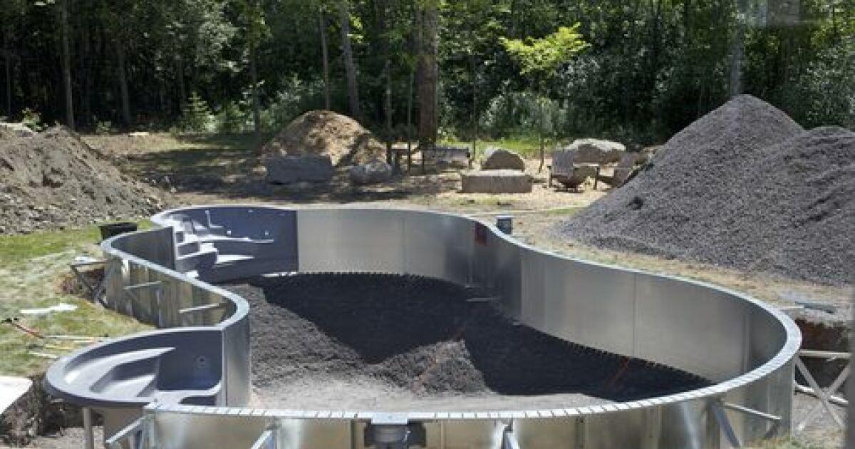 Excavation de terrain pour la piscine des travaux de for Combler une piscine