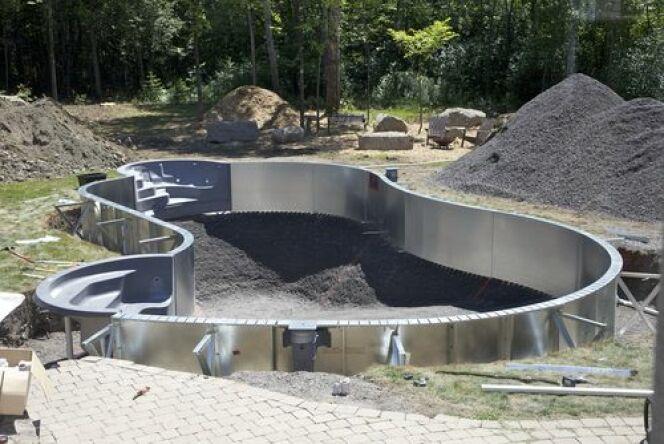 """L'excavation pour piscine est une étape indispensable.<span class=""""normal italic petit"""">© Chantal Ringuette</span>"""