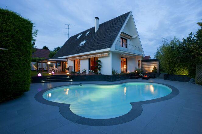 faire la f te dans sa piscine. Black Bedroom Furniture Sets. Home Design Ideas
