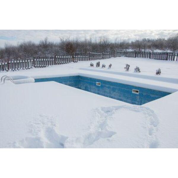 Hivernage faut il baisser le niveau de l eau dans la for Piscine x eau