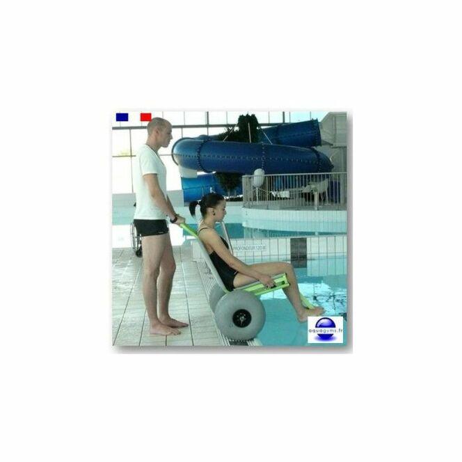 Fauteuil piscine clem for Piscine adaptee handicap