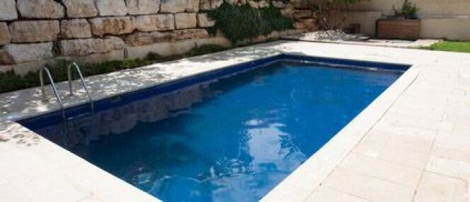 Fissure piscine en béton