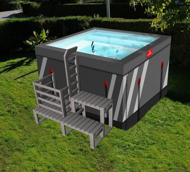 Fitpool, le bassin hors-sol démontable, qui inclut une banquette détente, des jets hydromassants et un aquabike.