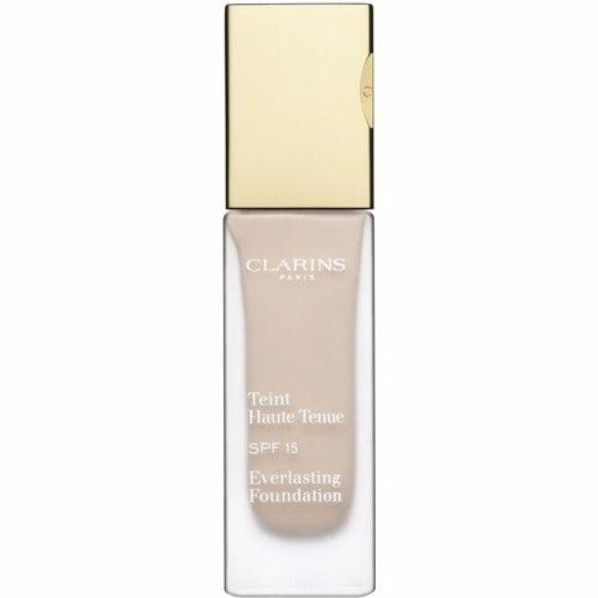 Le fond de teint znti-UV Haute Tenue de Clarins aide à lutter efficacement contre le vieillissement de la peau dû aux rayons du soleil