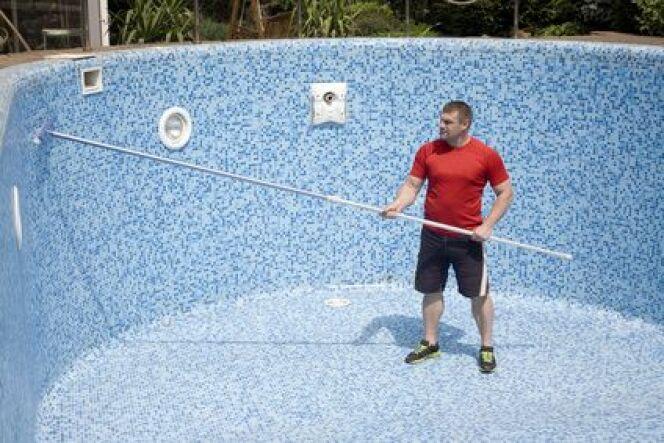 """Formez-vous à la soudure et à la pose de membranes armées piscine avec RENOLIT<span class=""""normal italic petit"""">© krakatuk - Fotolia.com</span>"""