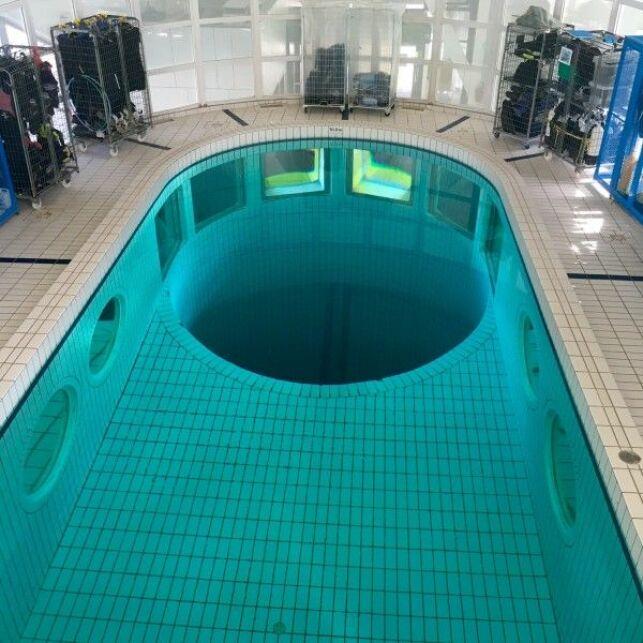 Fosse à plongée du Centre Nautique La Baleine à Saint-Denis