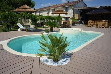 """Freedom Piscines à Lattes<span class=""""normal italic petit"""">© Freedom Piscines à Lattes</span>"""