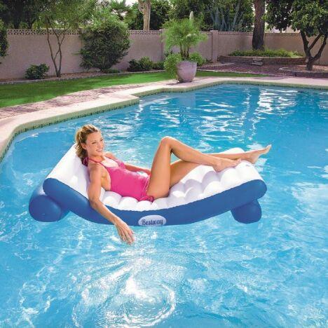 "Gamme de piscines Lounge par Bestway<span class=""normal italic petit"">© Bestway</span>"