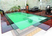 Génération Piscine : une piscine coque miroir dans votre jardin