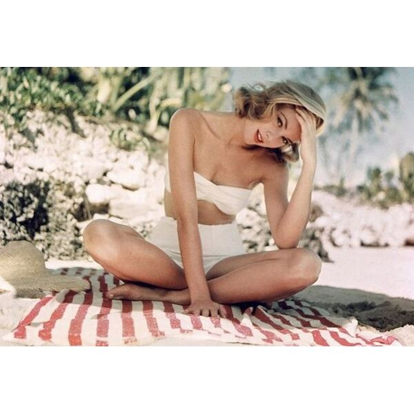 Grace Kelly en bikini taille haute blanc 525f1239961