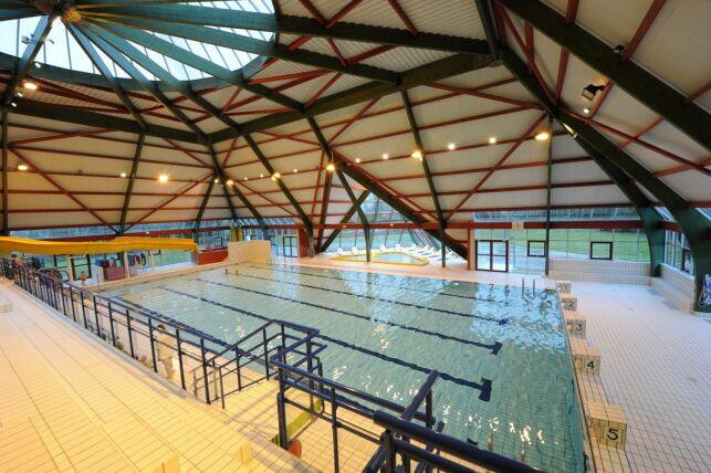 Grand bassin de la piscine de Suippes