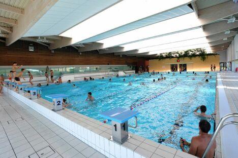 """Grand bassin de natation intérieur à la piscine Gd'O de Gronfreville l'Orcher<span class=""""normal italic petit"""">© P.Boulen</span>"""