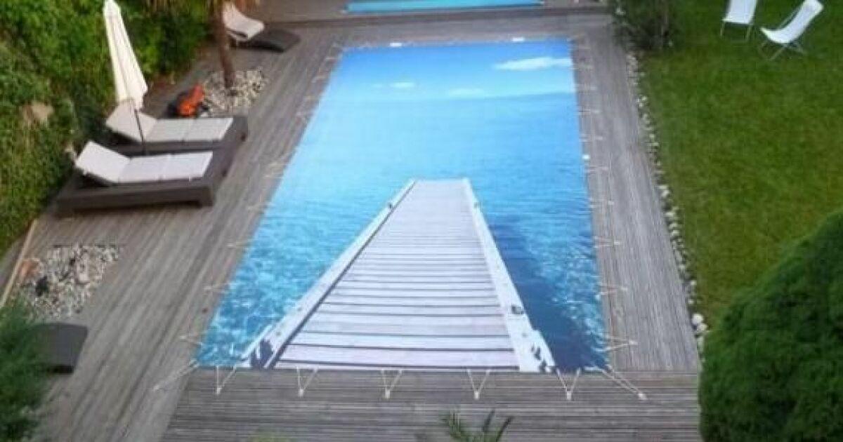 Couverture de piscine filtrante personnalis e tiki concept for Piscine personnalisee