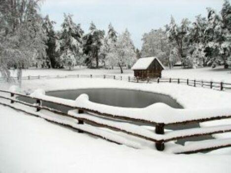 """Hivernage de votre bassin en toute sécurité<span class=""""normal italic petit"""">© Tout pour la piscine !</span>"""