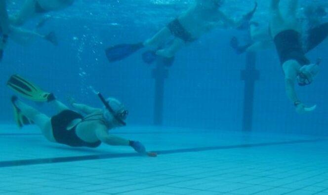 """Hockey subaquatique : découvrir et pratiquer un sport aquatique insolite<span class=""""normal italic petit"""">© Touring Plongée Mulhouse</span>"""