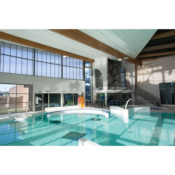 Hodellia centre aquaforme christian barjot piscine for Piscine houdan
