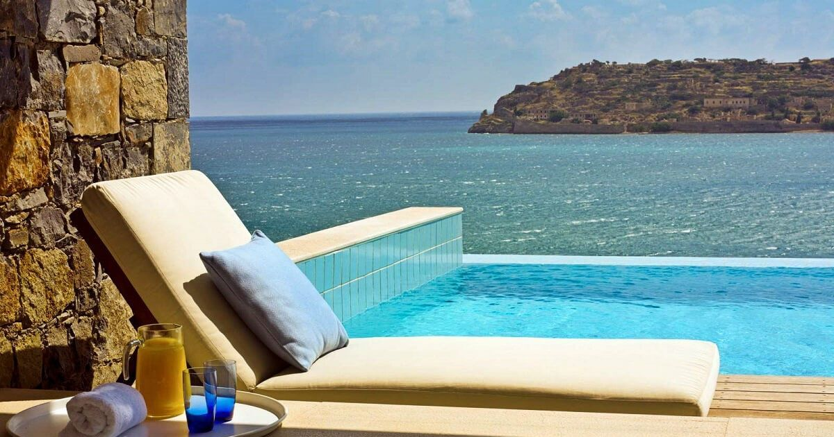 10 sublimes h tels avec piscine priv e par chambre for Chambre piscine