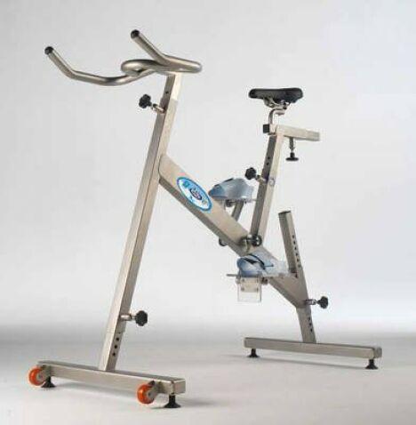 "Hydrobike Vélo aquatique ou de piscine<span class=""normal italic petit"">© Dynamika</span>"
