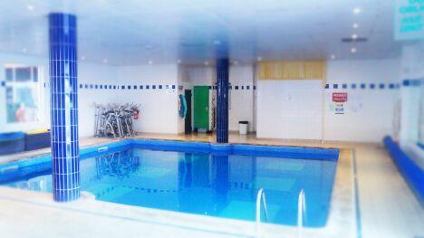 "Le bassin d'aquagym et aquabike<span class=""normal italic petit"">© Idéal Forme</span>"